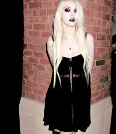 Taylor Momsen , style , roc , make , rock ,