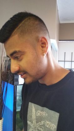Barbering services Extensions, Shops, Barber Shop, Stylists, Hair Cuts, Valentines, Barbers, Fun Funny, Instagram Posts