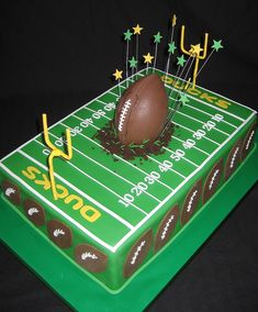 Ducks Football  by Cake Diane Custom Cake Studio (eyedewcakes), via Flickr