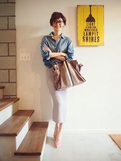 Asian Fashion, Love Fashion, Autumn Fashion, Fashion Outfits, Womens Fashion, Fashion Trends, Casual Chic, Work Casual, Denim Shirt Style