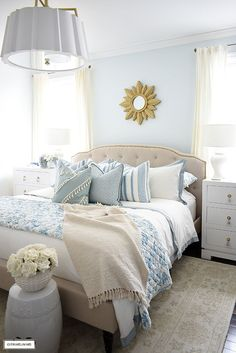 Home Interior And Gifts Gorgeous blue and white bed styled with layers of blue hues for a light airy beach-inspired look.Home Interior And Gifts Gorgeous blue and white bed styled with layers of blue hues for a light airy beach-inspired look. Bedroom Tv Wall, Bedroom Flooring, Bedroom Decor, 50s Bedroom, Bedroom Ideas, Master Bedroom, Blue Bedrooms, Blue Home Decor, White Decor