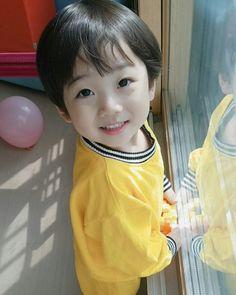 Hong EunWoo (Kookie Little)this boy is currently my bias wrecker Cute Asian Babies, Korean Babies, Asian Kids, Asian Cute, Cute Korean, Cute Babies, Asian Child, Cute Baby Boy, Cute Boys