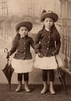 +~+~ Antique Photograph ~+~+ Sisters