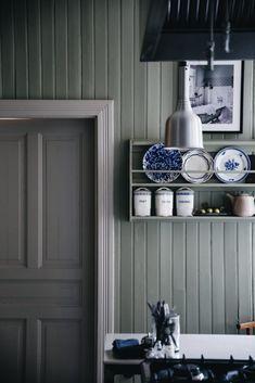Rustic Kitchen, Kitchen Decor, Kitchen Design, Craftsman Kitchen, Kitchen Ideas, Villa, Kitchen Interior, Interior And Exterior, Décor Antique
