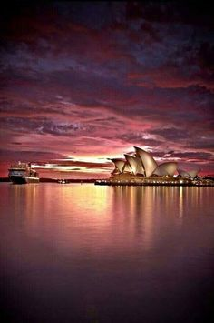 Beautiful Evening at Australia. pic.twitter.com/N35YCziNiZ