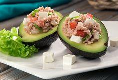 Prepara unos deliciosos aguacates rellenos de atún de manera fácil y rápida con nuestra receta de entradas. ¡Tus platillos de ricos a deliciosos!