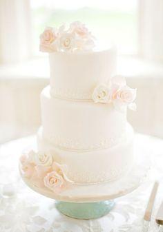 white rose, white cake