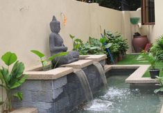 Facts about koi fish ponds including the different aspects included in a koi pond and how care for koi fish successfully. Fish Ponds Backyard, Outdoor Fish Ponds, Koi Fish Pond, Backyard Water Feature, Koi Ponds, Koi Pond Design, Fountain Design, Garden Design, Pond Fountains
