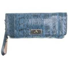 Pre-owned Snake skin clutch ($155) ❤ liked on Polyvore featuring bags, handbags, clutches, blue, blue handbags, pre owned purses, pre owned handbags, buckle purses and blue purse