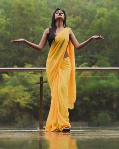 Actress Sheetal Ahirrao Saree Photoshoot for Monsoon. Indian Photoshoot, Saree Photoshoot, Portrait Photography Poses, Photography Poses Women, Girl Photo Poses, Girl Poses, Beautiful Saree, Beautiful Indian Actress, Vsco