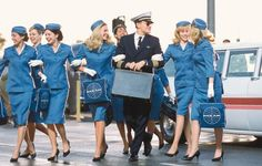 713x455x15-reasons-to-date-a-flight-attendant-713x455.jpg.pagespeed.ic_.-AMiLAr6Uw