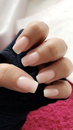 33 Gorgeous Wedding Nail Designs For Brides - blush pink nails, neutral wedding nails, neutral nail art designs Cute Acrylic Nails, Cute Nails, Pretty Nails, Gradient Nails, Natural Acrylic Nails, Short Nails Acrylic, Acrylic Nail Shapes, Coffin Nails Short, Squoval Acrylic Nails