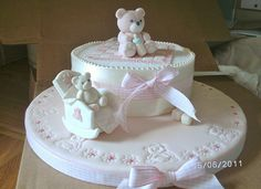 rosa - Baby bear in a little rocking chair and a sitting bear topper