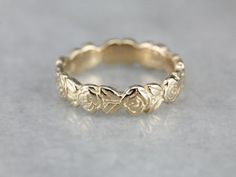 Lovey Golden Rose Wedding Band