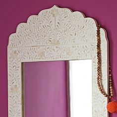 """Here's the same mirror in white. It """"glows"""" more and is also a little more neutral, which i like."""