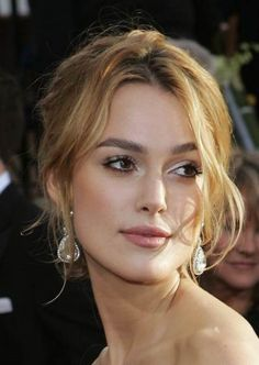 Keira Knightley love this honey hair color Keira Knightley, Beauty Makeup, Hair Makeup, Hair Beauty, Party Hairstyles, Wedding Hairstyles, Red Carpet Hairstyles, Red Carpet Updo, Eyebrow Growth Oil