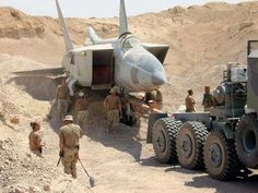 Buried MiG-25 Foxbat Jet Uncovered in Iraqi Desert, Now Preserved in US