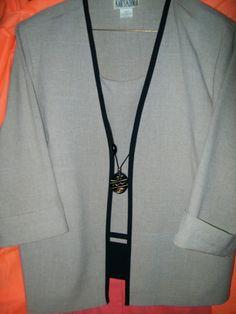 16Pet bust 23 L25 KARI'S CORNER 2pc beige & black PANTSUIT #PantSets