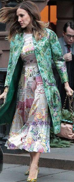 Sarah Jessica Parker: Coat – Giambattista Valli    Dress – Mary Katrantzou    Shoes – Jean-Michel Cazabat
