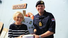 Mary Berry's Quick Cooking episodes - BBC Food Golden Syrup Porridge, Porridge Oats, Crunches Biscuits, Mary Berry, Biscuit Recipe, Bbc Recipes, Tray Bakes, Cooking Time, Berries