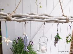 Risultati immagini per dekoration fenster frühling Cork Wood, Summer Deco, Nature Crafts, Nature Table, Country Decor, Decoration, Plant Hanger, Diy Home Decor, Diy And Crafts