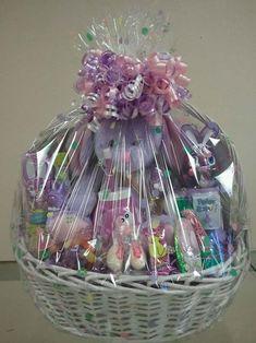 Homemade Gift Baskets, Best Gift Baskets, Girl Gift Baskets, Easter Gift Baskets, Christmas Baskets, Homemade Gifts, Diy Gifts, Cute Birthday Gift, Birthday Gifts For Best Friend