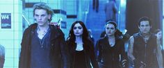 The NEW The Mortal Instruments: City of Bones trailer (shots from the video) ~ The two powerful teenage girls of CoB. Isabelle and Clary Immortal Instruments, Mortal Instruments Books, Shadowhunters The Mortal Instruments, To The Bone Movie, Isabelle Lightwood, Jace Wayland, Alec Lightwood, Cassie Clare, Cassandra Clare Books