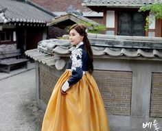 Korean traditional clothes. #한복 #전통한복 #한복스냅 #신부한복맞춤 #신부한복대여 #신부한복 #웨딩한복 #웨딩촬영한복 #전통의상 #우리옷 #저고리 #modern #snap #trip #wedding #pattern #travel #natural