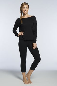 ABOUT THIS OUTFIT: You?ll always look back in this seriously stylish set. Show off your best assets in the on-trend Switch Back Tee and rock the Lima Flex Capri for your most comfortable, movable workout. Fabletics.com