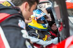 This week's Behind the Zoom blog comes from Tom Long. In addition to being in the driver lineup with the Mazda Prototypes, Tom is an accomplished driver instructor and the man behind the wheel in the development of the 2016 MX-5 Global Cup racer. Today, he offers pro tips for grassroots racers on the proper fit in your racecar. RACER.com