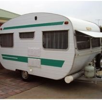 tons of pics converting a trailer to a vintage shop