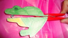 A  funny frog craft.