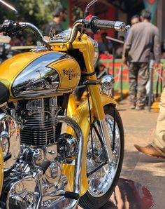 Image may contain: motorcycle – Motorcycle Ideas Enfield Bike, Enfield Motorcycle, Motorcycle Style, Motorcycle Gear, Classic 350 Royal Enfield, Enfield Classic, Vintage Motorcycles, Custom Motorcycles, Enfield India