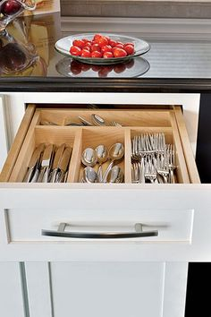 Organize flatware and utensils while making the most of your drawer space with our Cutlery Tray Drawer Organizer. Choose the configuration that fits your space. It's a space-efficient organizer that keeps kitchen drawers orderly and favorite tools easily Cool Kitchen Gadgets, Home Gadgets, Diy Kitchen, Kitchen Storage, Cool Kitchens, Kitchen Decor, Kitchen Ideas, Kitchen Designs, Storage Drawers