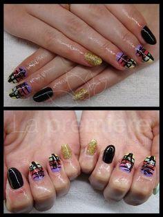 #summer nails #palmy na paznokciach #bling nails #kolorowe paznokcie #icon nails #la premiere