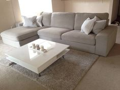 IKEA Kivik in Teno Light Grey, white Tofteryd coffee table, Hampen rug