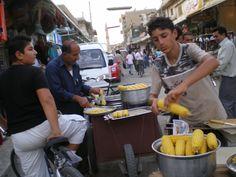 Główny bazar w centrum #Kamechli ( #Syria) w 2007r. fot. E.Kowalkiewicz-Hussein, #Uchodźcymilewidziani #refugesswelcome Syria, Countries, War, Ethnic Recipes, Food, Essen, Meals, Yemek, Eten