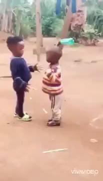 Funny Videos Clean, Cute Funny Baby Videos, Crazy Funny Videos, Cute Funny Babies, Funny Videos For Kids, Funny Video Memes, Crazy Funny Memes, Really Funny Memes, Stupid Funny Memes