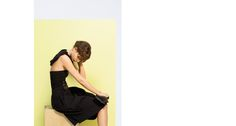 Popdam Magazine Issue 10 MALLONI Un viaggio nell'intimo attraverso colori pastello e geometrie essenziali per creare atmosfere delicate e senza tempo. La nuova campagna Spring Summer 2015 di Malloni è firmata dal grande fotografo Paolo Zambaldi, autore di importanti servizi di moda e campagne pubblicitarie, che ferma in pose naturali gli stati più profondi dell'animo femminile. Photographer: Paolo Zambaldi