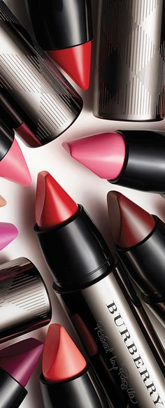 Loving these Burberry Full Kisses lipsticks. Great coverage and staying power. Beauty Art, Beauty Make Up, Beauty Hacks, Beauty Style, Burberry Makeup, Mime Makeup, Makeup Is Life, Glossy Lips, Luxury Beauty