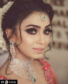 Ideas Wedding Makeup Looks Asian Smoky Eye Indian Wedding Makeup, Best Bridal Makeup, Wedding Makeup Looks, Bride Makeup, Hair Makeup, Indian Eye Makeup, Hair Lights, Light Hair, Indian Bridal Hairstyles