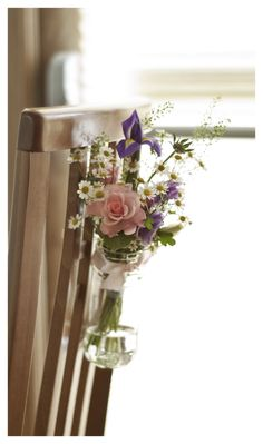 Cute little pew ends, very cute or could be used on the back of chairs for a small wedding, and on the Bride and Grooms chairs . Sooo cute and pretty