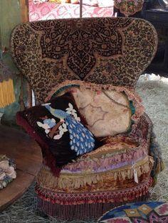Magnolia Pearl via Fiona and Twig Gypsy Chic, Gypsy Style, Boho Gypsy, Bohemian Style, French Bohemian, Gypsy Life, Boho Hippie, Boho Chic, Bohemian Interior
