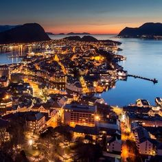 Yet another destination to add to the list! This #TravelTuesday brings us to Alesund, Norway. Thanks for the #huffpostgram, @pedersen2k! #Padgram