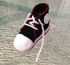Crochet Pattern Baby Tennis Shoes : 1000+ images about Crochet - Tennis ! on Pinterest Baby ...