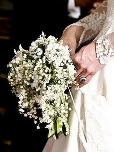 #Lace sleeves and #simple #bouquet