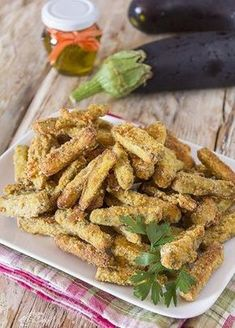 Stick di melanzane croccanti al forno o fritti University Food, Cooking Recipes, Healthy Recipes, Eat Smart, Yummy Eats, International Recipes, I Love Food, Vegetable Recipes, Italian Recipes