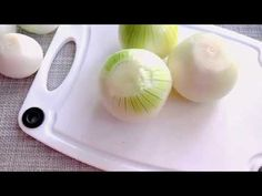 Такая Вкуснятина из обычного ЛУКА! Вкусный ужин за копейки - YouTube Tasty, Yummy Food, Bon Appetit, Food Videos, Mozzarella, Onion, Garlic, Healthy Eating, Cooking Recipes