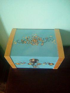 Joyero azul y dorado de flores