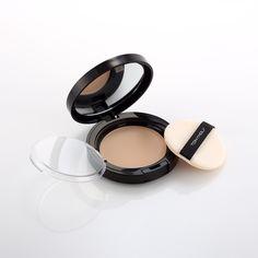 Timeless Carat Moisture Soft Pact: Polvo compacto, se siente suave y húmedo sobre la piel con cubertura de gran alcance  y Protección UV